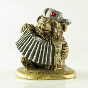 """Купить сувенир """"Медведь с гармошкой на тонкой подставке"""""""