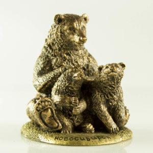 """Купить сувенир """"Медведица с медвежатами"""""""
