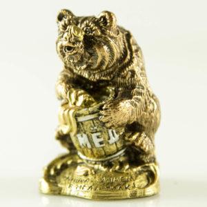 """Купить сувенир """"Медведь с бочкой мёда"""""""